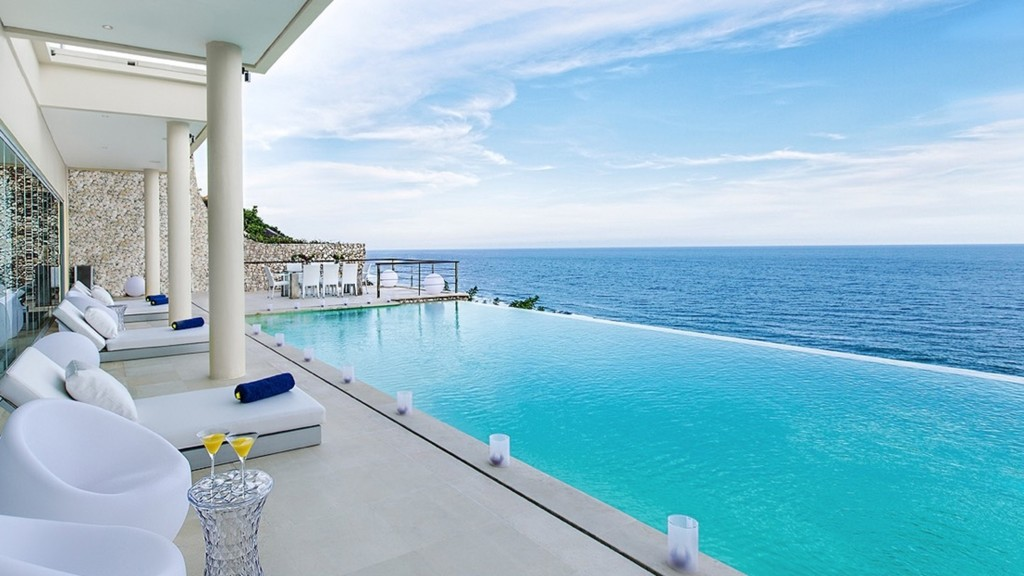 Villa Grand Cliff Front Residence