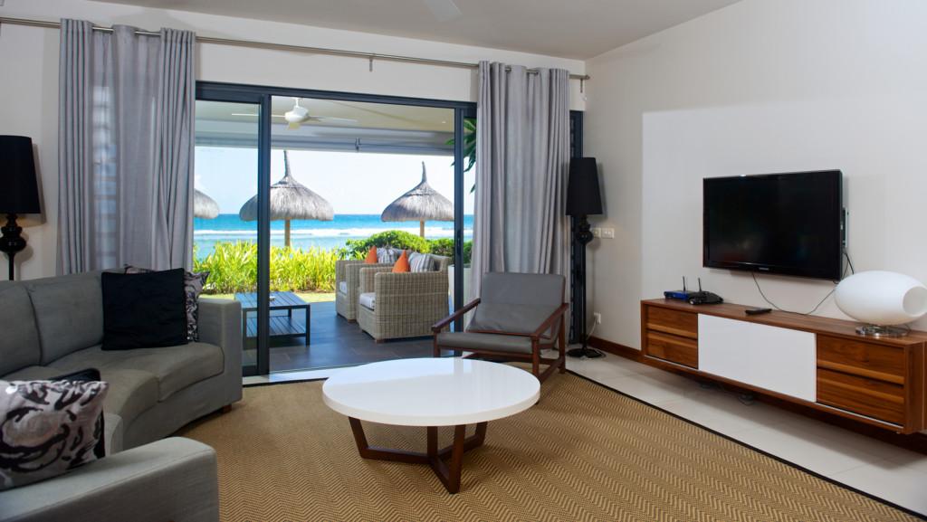 Leora Beach Beachfront Apartment