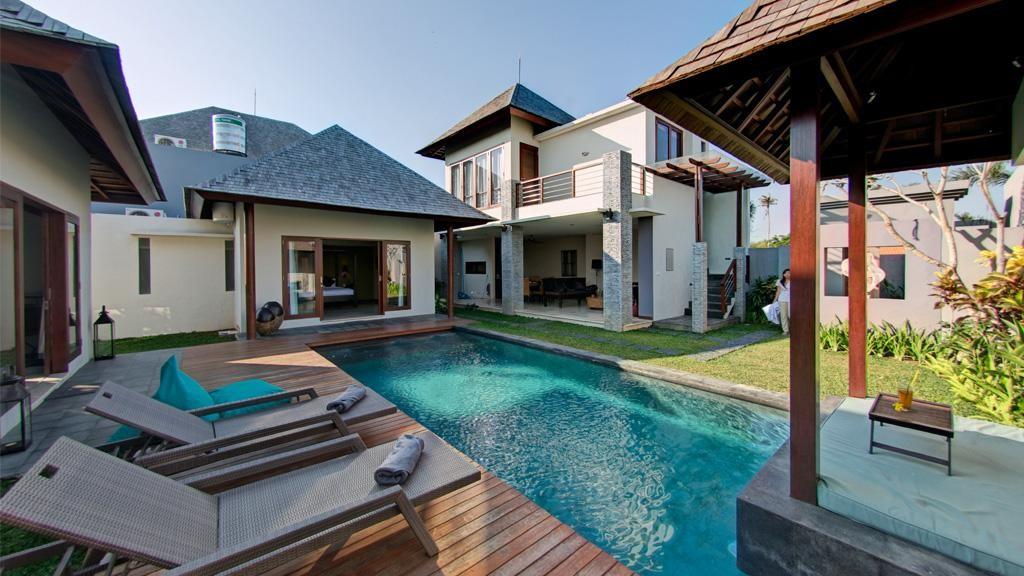 Villa Tomok